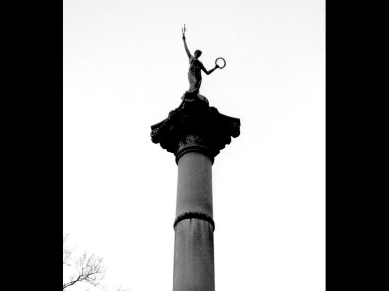 Battles for Chattanooga: [1996] A depiction of lady liberty atop the Illinois Monument at the Bragg Reservation
