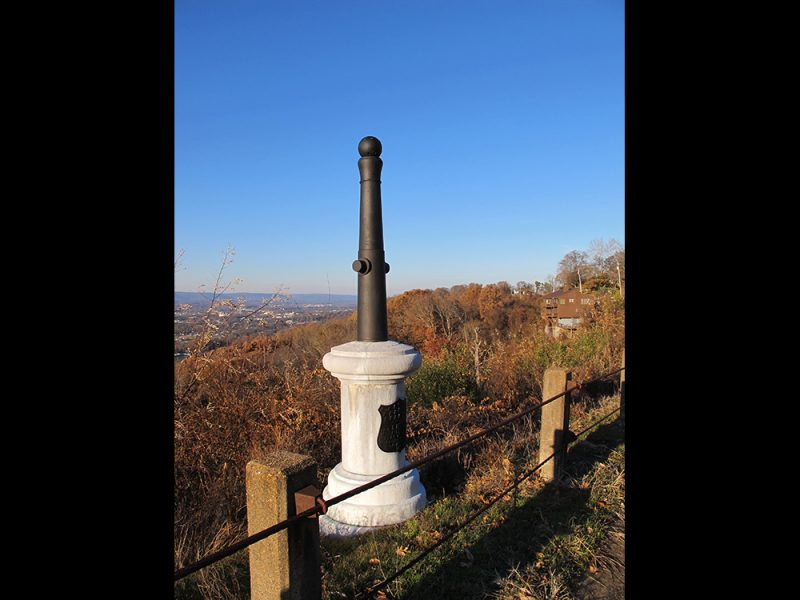 Battles for Chattanooga: [2014] Phelps monument and the sheer drop off of the ridge slope