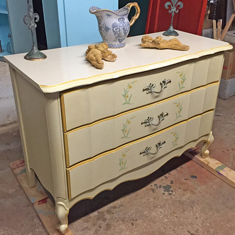 "Rescued Wares » When I picked ""Bessie"" up off the roadside I never imagined all she needed was a good scrub and some solid carpentry. No paint needed! Now she is ready to serve again."